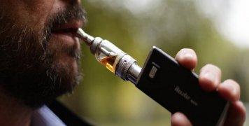 Η χρήση ηλεκτρονικού τσιγάρου αυξάνει την πιθανότητα διακοπής του καπνίσματος