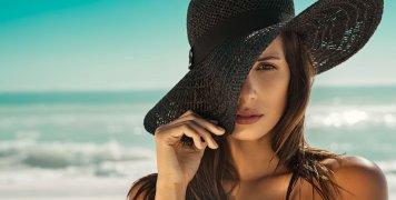 γυναίκα, μαύρο καπέλο, παραλία