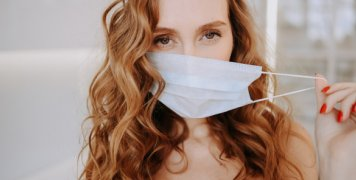 woman_with_mask