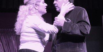 """Μαριέττα Σκανδάλη και Απόστολος Τζιώτης στους πρωταγωνιστικούς ρόλους της """"Φιλουμένας Μαρτουράνο"""""""