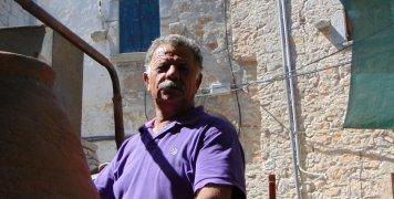 Μουστρίδης, ο... άρχων της Σούμας, που δηλώνει πάντως πως ευλογημένο από τον Θεό είναι μόνο το κρασί