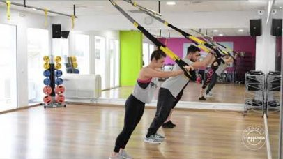 Project Happiness: Ομαδικό πρόγραμμα γυμναστικής TRX από τον Περίανδρο Σαραντινίδη