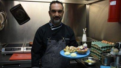 Project Happiness: Burger κοτόπουλο από την Πιπερόριζα